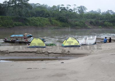 Camp am Río Tapiche